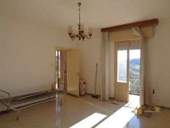 Two bedroom detached house with amazing view near the lake. Img18
