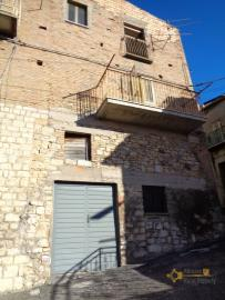 Two bedrooms stone house with cellar and garage. Abruzzo. Img2