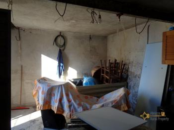 Two bedrooms stone house with cellar and garage. Abruzzo. Img17