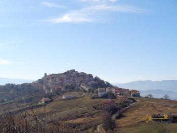 Traditional brick townhouse to renovate, in the Molise hills. Img19