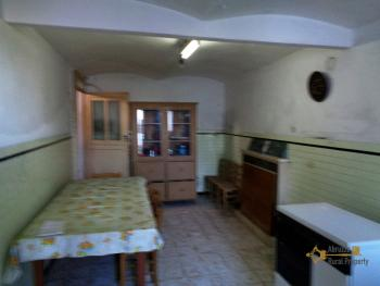 Large townhouse with garden and terrace for sale in Abruzzo. Img22