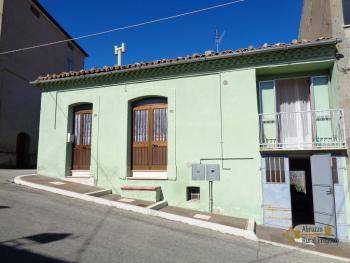Large townhouse with garden and terrace for sale in Abruzzo. Img25