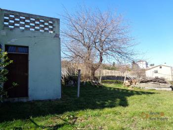 Large townhouse with garden and terrace for sale in Abruzzo. Img17