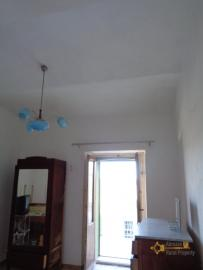 Large townhouse with garden and terrace for sale in Abruzzo. Img13