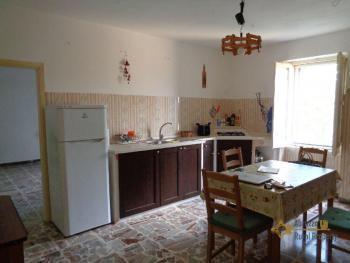 Charming country house with land and fantastic view. Abruzzo. Img9