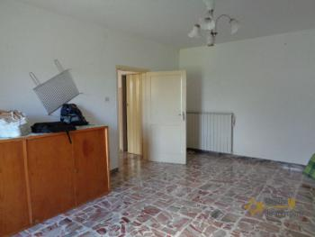 Charming country house with land and fantastic view. Abruzzo. Img13
