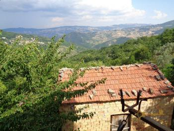 Charming country house with land and fantastic view. Abruzzo. Img35