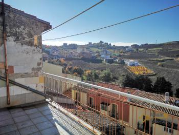 Panoramic stone house with terrace for sale in Lupara, Molise.