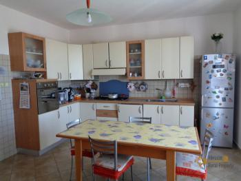 Seaview five bedroom detached house with 400 sqm of garden. Img7