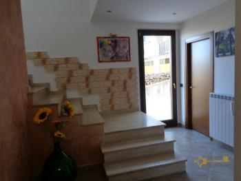 Seaview five bedroom detached house with 400 sqm of garden. Img11