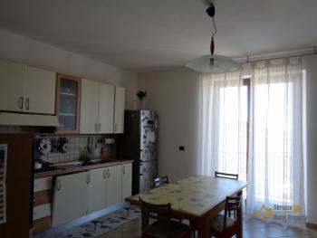 Seaview five bedroom detached house with 400 sqm of garden. Img8